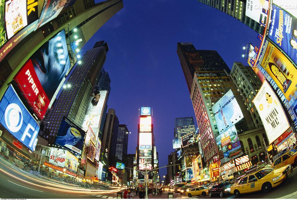 当蟋蟀来到纽约时代广场